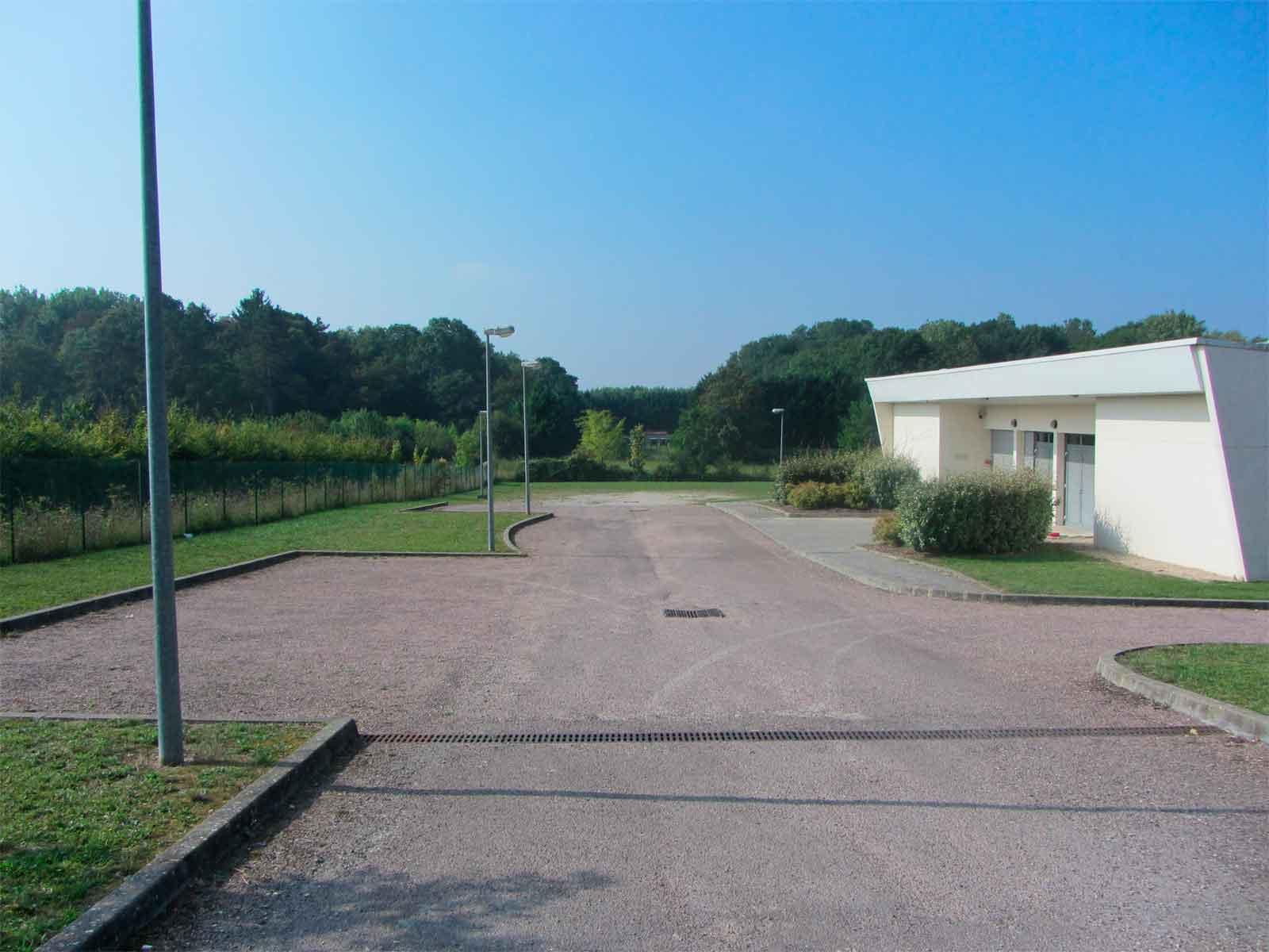La salle des champs blancs ville de joigny for Piscine de joigny